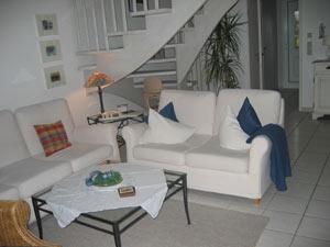 Ferienhaus A Aufgang OG Sitzgruppe Wohnzimmer